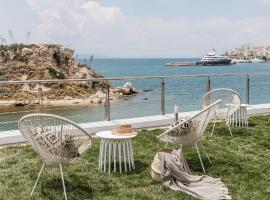 Bedwave Experience, hotel in Piraeus