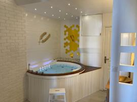 Adult Suite & SPA, hotel in Cannes