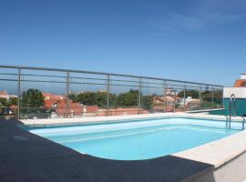 Apartamentos Foz O Porto, hotel with pools in Porto
