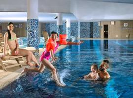 Clayton Hotel Liffey Valley, hotel with pools in Clondalkin
