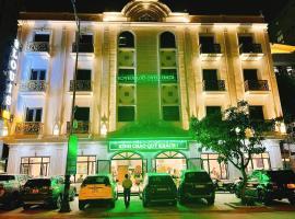 Khách sạn Louis Hotel Sầm Sơn, hotel in Binh Tân