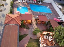 Alba Family Club Hotel, hotel in Primorsko