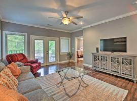 Hot Springs Condo with Lake Hamilton Access!, apartment in Hot Springs