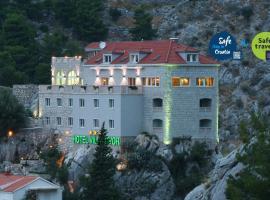 Hotel Villa Dvor, room in Omiš