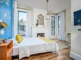 Adina - Van Gogh Suite - Amazing Downtown Locale Hotel Room, hotel u blizini znamenitosti 'Mount Bonnell' u gradu 'Austin'
