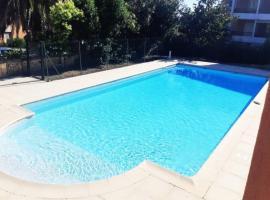 ☆ T2 ☆SAINT RAPHAEL☆ COTE D'AZUR ☆, hotel with pools in Saint-Raphaël
