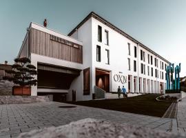 zumOXN, hotel near Klessheim Castle, Laufen