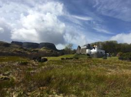 Flodigarry Hotel and SKYE Restaurant, hotel in Staffin