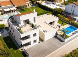 Belvedere Holidays, hotel in Novigrad Istria