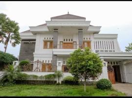 Daffi Syariah Araya, hotel in Malang