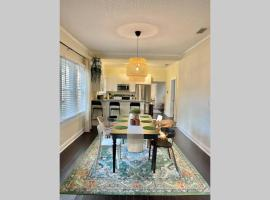 *The Boho Bungalow* 4Bed/2Bath, apartment in Tampa