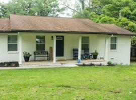 Welcome to Carolyn's House, vacation rental in Tallahassee