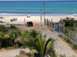 Ocean palms beach resort, hotel in Trincomalee