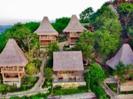 Elang Hillside Bamboo Villas, hotel in Labuan Bajo