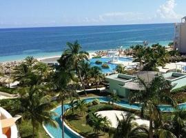A private junior suite at the All-inclusive, Ventus at Marina El Cid Spa & Beach, hotel in Puerto Morelos