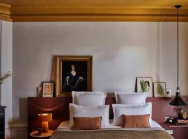Les Maisons de Campagne - Maison du Val, hotel near Saint-Germain Golf Course, Saint-Germain-en-Laye