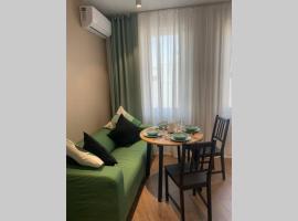 Новая 2-х комнатная квартира в ЖК 123 Анапа, hotel with jacuzzis in Anapa