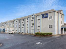 Microtel Inn & Suites by Wyndham Matthews/Charlotte, hotel in Matthews