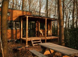 TinyParks - The tiny house experience - Forrest hotel, hotel in Hoogersmilde