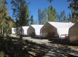 Alpine Ibex Camp, luxury tent in Charāsa