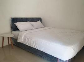 OYO 90440 Zleepy Whiteland, ξενοδοχείο σε Semarang
