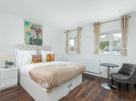 1Leta Apartment - Hatfield, hotel near Hatfield House, Hatfield