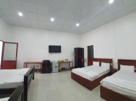 Khách Sạn Ngọc Hân, hotel in Ấp Vĩnh Phú