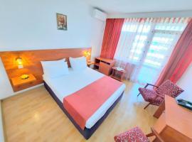 Hotel Tomis Neptun, hotel din Neptun