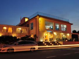 Hotel Stella Marina, hotell i San Teodoro