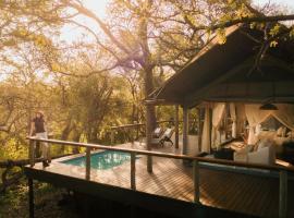 Rhino Sands Safari Camp, luxury tent in Manyoni Private Game Reserve