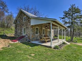 Idyllic Hellertown Cottage Patio and Fire Pit!, pet-friendly hotel in Bethlehem