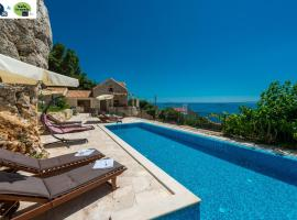 Villa Stone-Exceptional private Estate, luxury hotel in Mlini