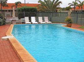 Hospitality Geraldton, SureStay by Best Western, motel in Geraldton