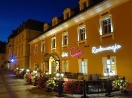 Hotel Restauracja Caspar, hotel in Jelenia Góra