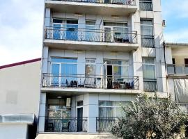Old Batumi Mgzavrebi, apartment in Batumi