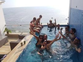 Surf beach View. Penthouse dúplex. Punta Hermosa, hotel with jacuzzis in Punta Hermosa