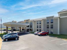 Comfort Inn & Suites Greer - Greenville, hotel near Greenville-Spartanburg International Airport - GSP, Greer