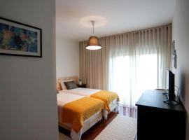 Oporto airport apartment, hotel near Francisco Sa Carneiro Airport Metro Station, Moreira