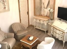 Couvent des Carmes, guest house in Narbonne