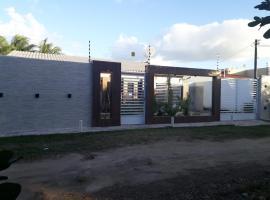 Casa com piscina na Praia de Peroba, hotel with pools in Maragogi