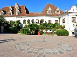 Renaissancehotel Raffelsberger Hof B&B, Hotel in der Nähe von: Kunsthalle Krems, Weißenkirchen in der Wachau