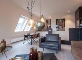 ZEER LUXE APPARTEMENT IN HARTJE GRONINGEN, apartment in Groningen
