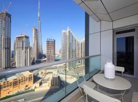 Luxury Furnished 2 Bedroom Home - Burj Khalifa-Fountain View, villa in Dubai