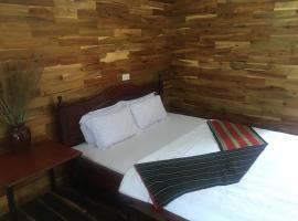 Troh Bư's Bungalows, hotel near Buon Ma Thuot Airport - BMV, Buôn Niêng
