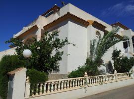 Villa Flamenca - 10 sleeps, hotel in Alicante