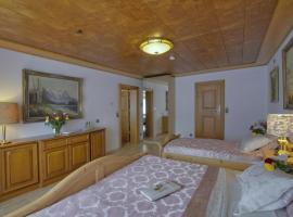 Golden GaPa Large Family Apartment 11, hotel in Garmisch-Partenkirchen