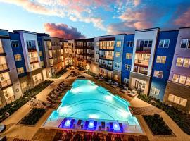 Peaceful Modern Space with Beautiful Pool, apartman u gradu 'Austin'