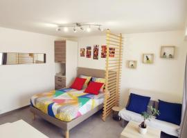 Studio cosy et lumineux à 500m de la gare RER de Melun., apartamento em Melun