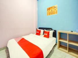 OYO 3949 Griya Aisyah Syariah, hotel near MX Mall Malang, Malang