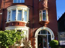 Pembroke Bed & Breakfast, hotel near Gynn Square, Blackpool